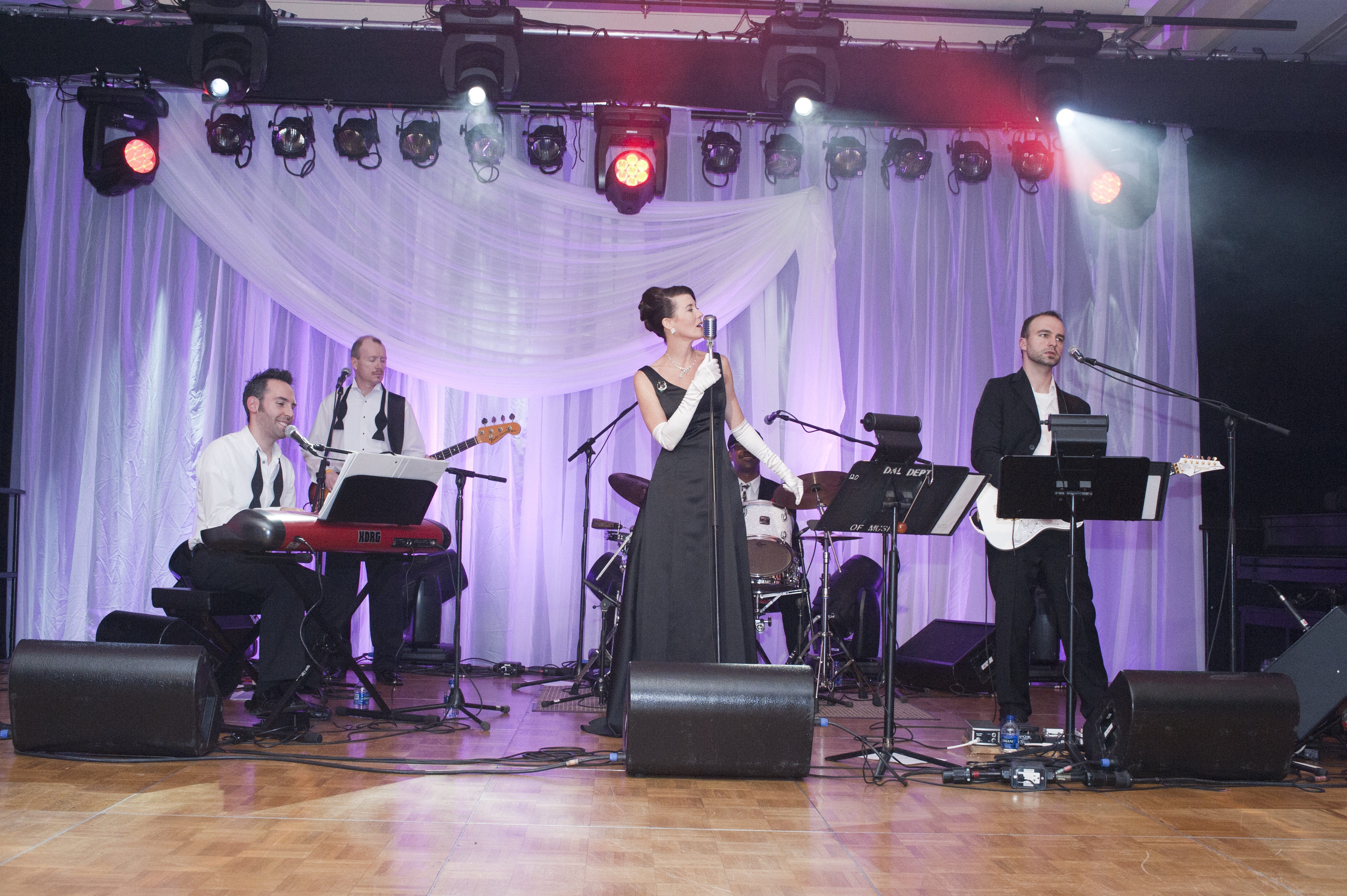 Most are familiar with the tom collins band for their unique jazz lounge arrangements of popular tunes perfect for martini chit chat receptions and dinner